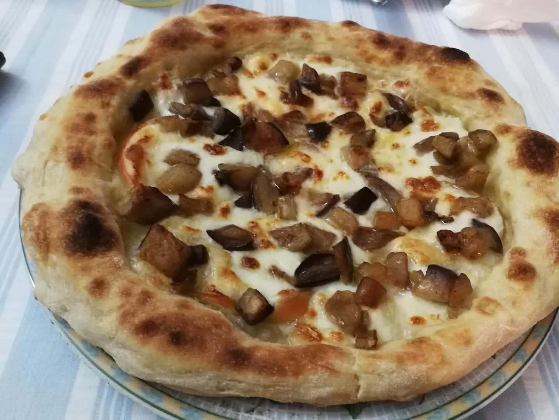 pizza-bianca-alle-melanzane